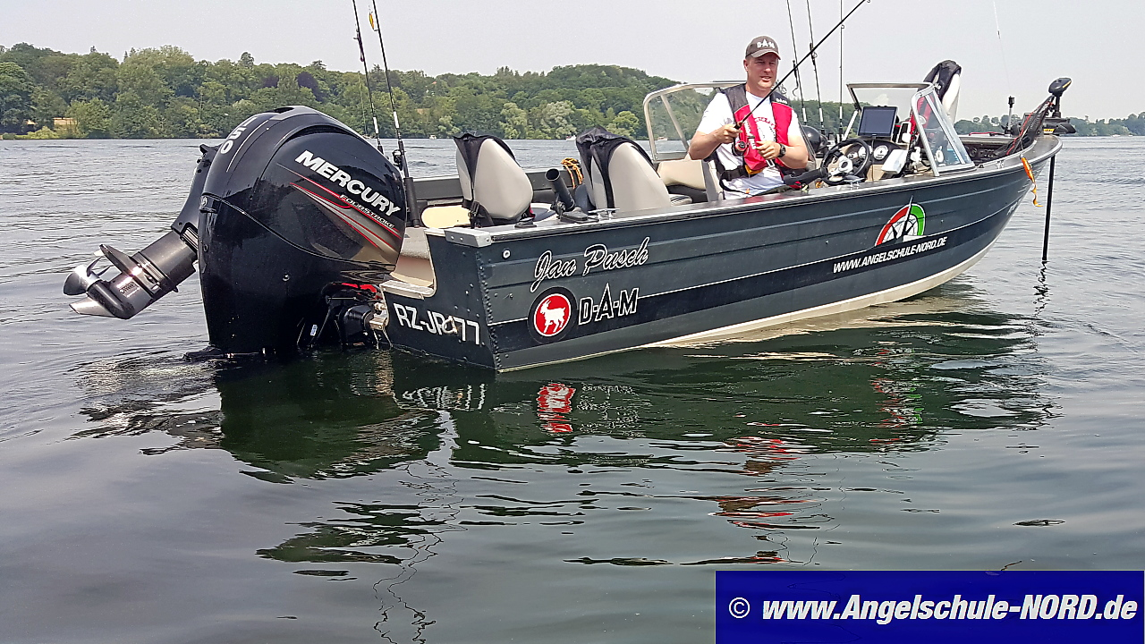 EFFZETT Teamboat mit Guide Jan Pusch